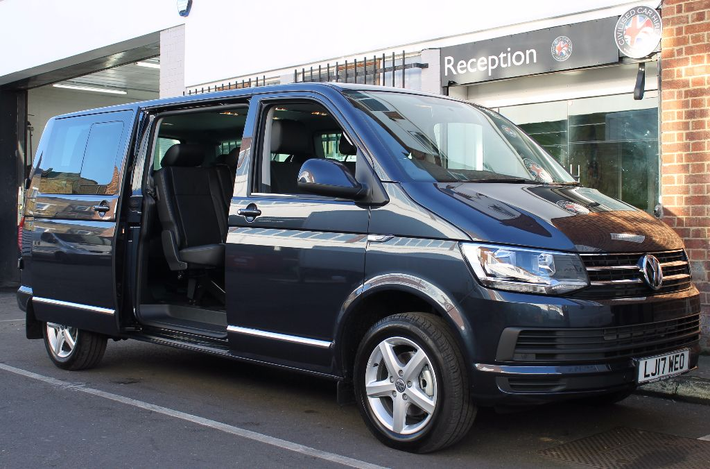 VW Transporter Shuttle DSG Hi-Line 9 Seater