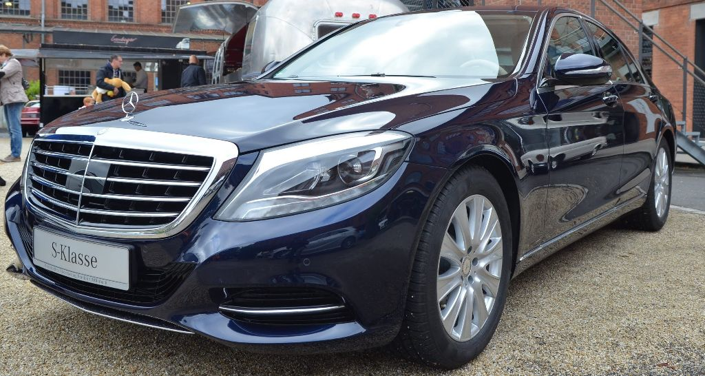 Hire the mercedes s400 amg hybrid civilised car hire for 2013 mercedes benz s400 hybrid
