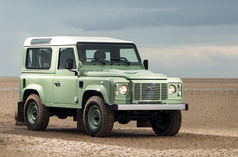 land-rover-defender-_800x0w